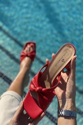 İnan Ayakkabı Kadın Kırmızı Cilt Ortadan Kalın Düğümlü Terlik