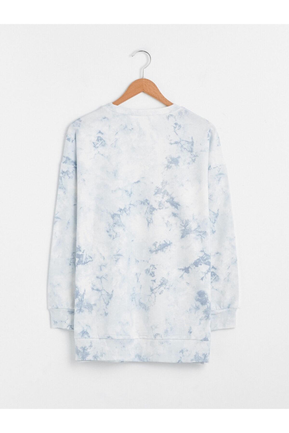 LC Waikiki Kadın Beyaz Mavi Sweatshirt 2