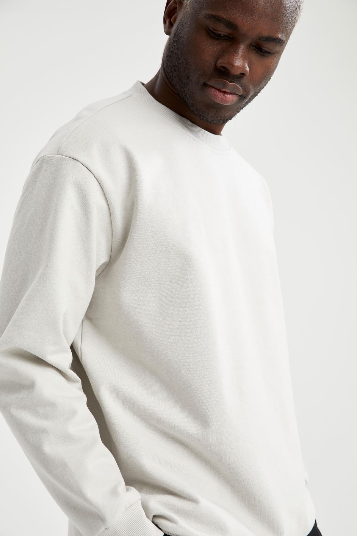 DeFacto Oversize Fit Bisiklet Yaka Basic Sweatshirt