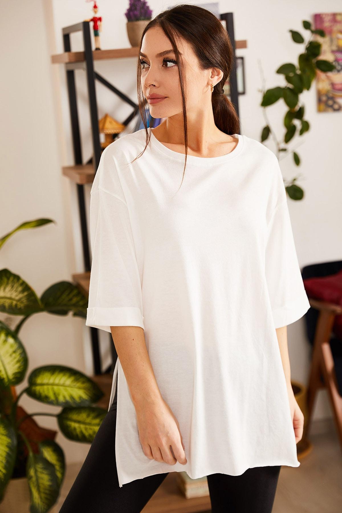 armonika Kadın Ekru Yuvarlak Yaka Geniş Kollu Yanı Yırtmaçlı T-Shirt ARM-19Y012003 1