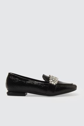 TRENDYOLMİLLA Siyah Rugan Taşlı Kadın Klasik Ayakkabı TAKSS21KA0003