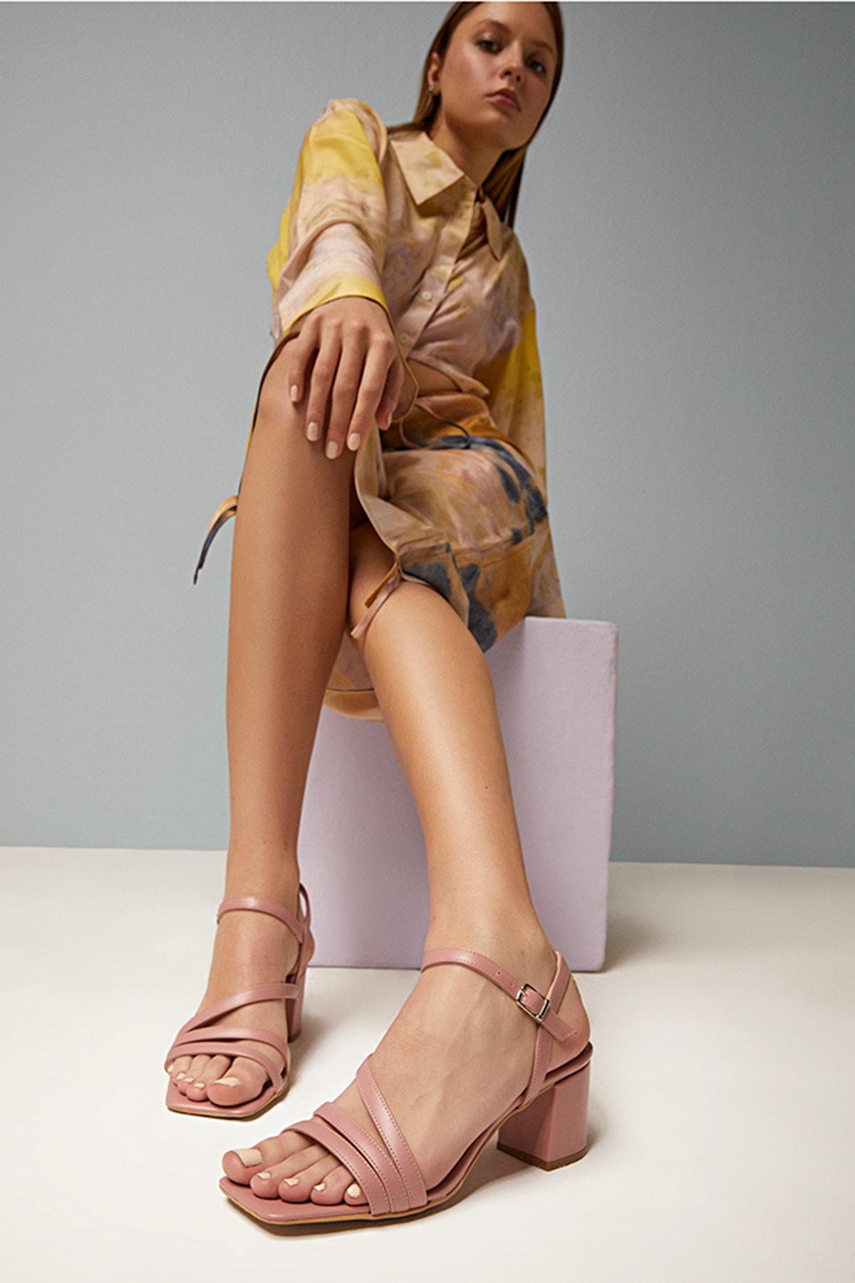Hotiç Natural Yaya Kadın Sandalet 1