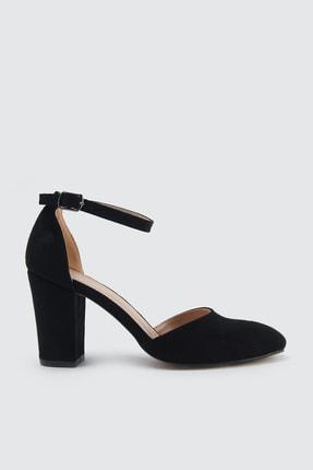 TRENDYOLMİLLA Siyah Bilekten Bantlı Kadın Klasik Topuklu Ayakkabı TAKSS21TO0022