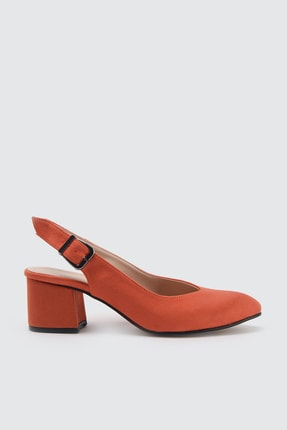 TRENDYOLMİLLA Turuncu Süet Kadın Klasik Topuklu Ayakkabı TAKSS21TO0035