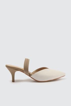 TRENDYOLMİLLA Beyaz Kadın Klasik Topuklu Ayakkabı TAKSS21TO0004