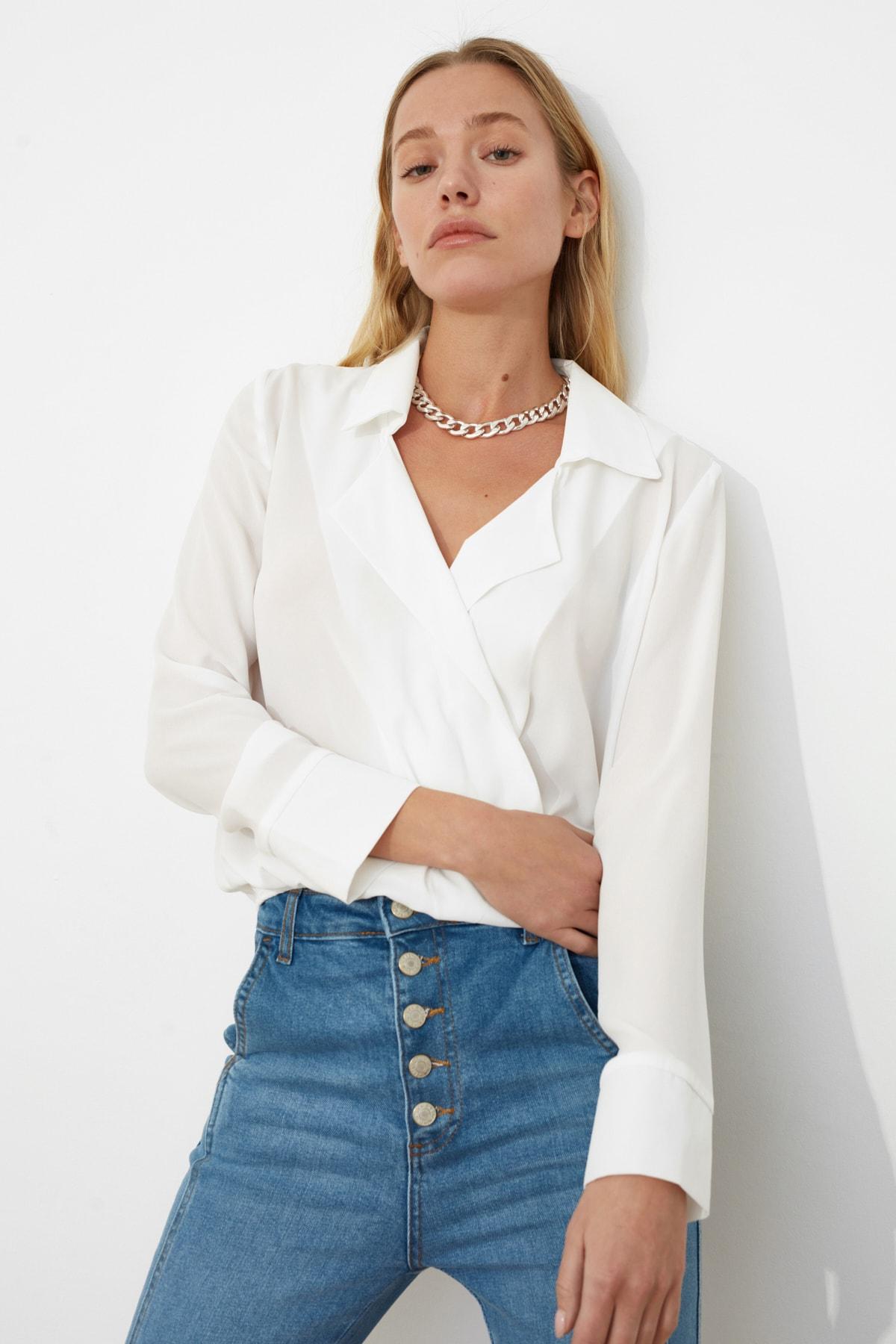 TRENDYOLMİLLA Ekru Kruvaze Yarı Transparan Bluz TWOAW20BZ0600 2