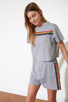 TRENDYOLMİLLA Gri Şerit Detaylı Örme Pijama Takımı THMSS21PT0081