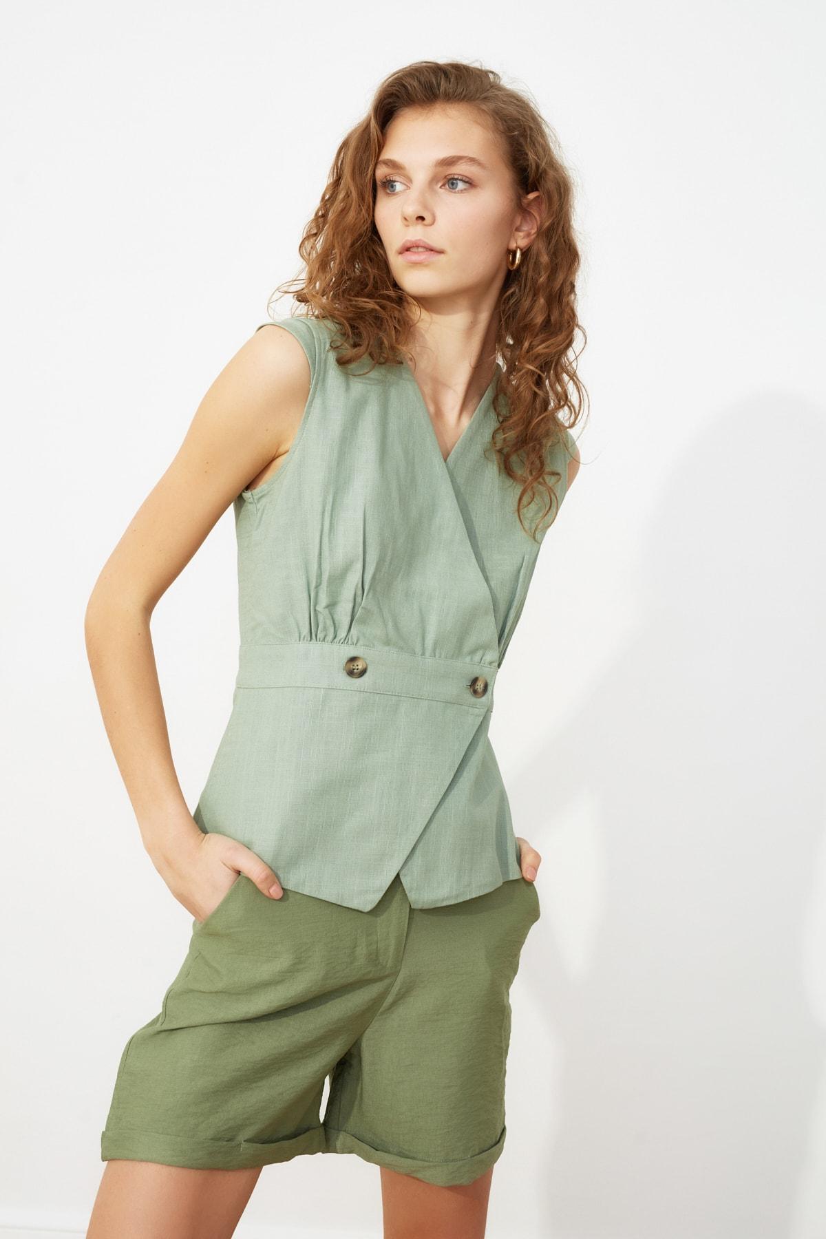 TRENDYOLMİLLA Mint Kemik Düğme Detaylı Bluz TWOSS20BZ0707 1