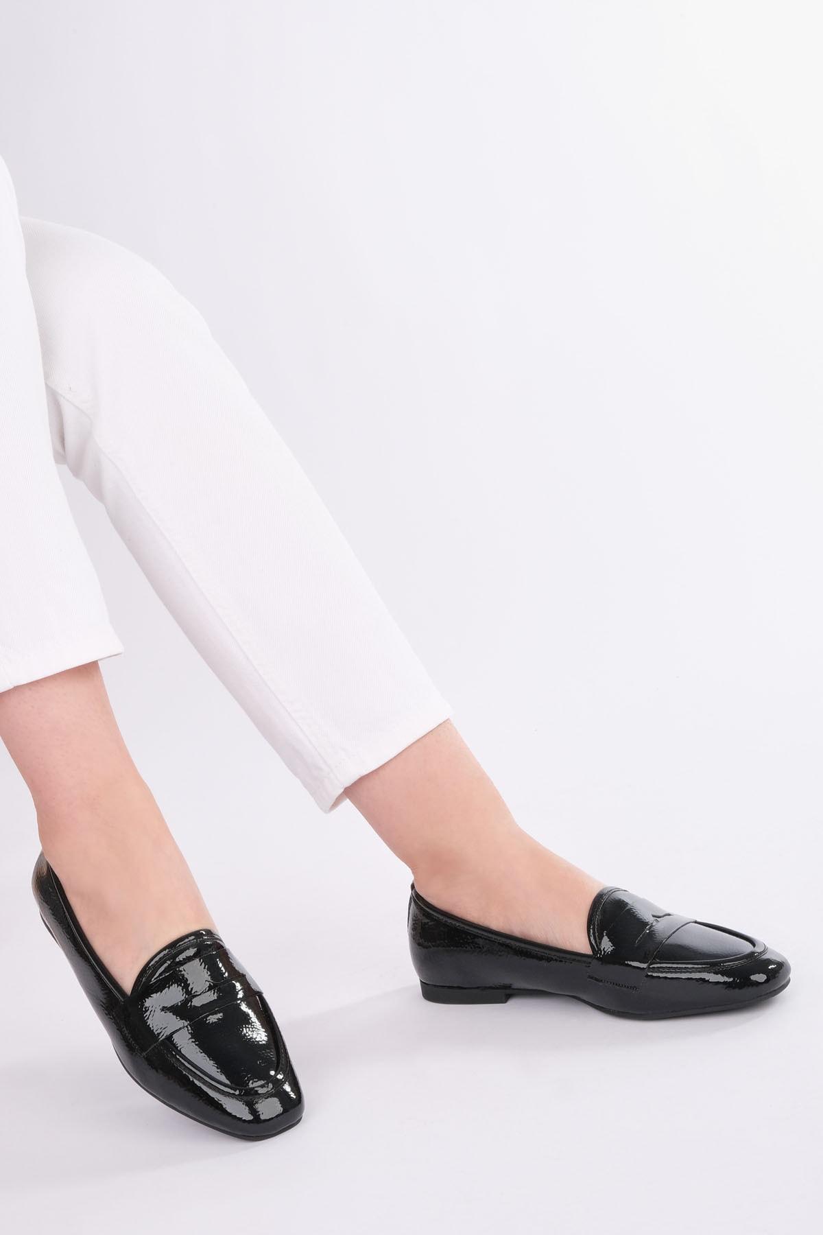 Marjin Kadın Siyah Rugan Loafer Ayakkabı Munle 1