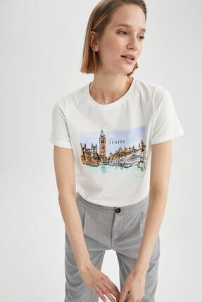 DeFacto Kadın Beyaz Şehir Baskılı Relax Fit Kısa Kollu Tişört