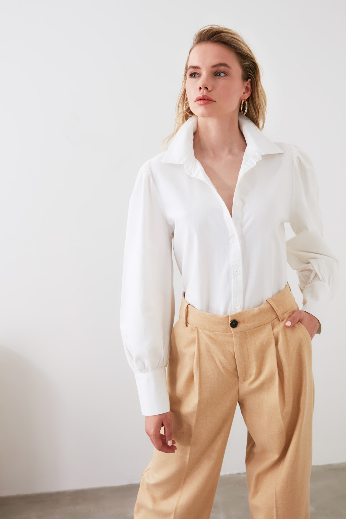 TRENDYOLMİLLA Beyaz Gömlek TWOSS20GO0065 2