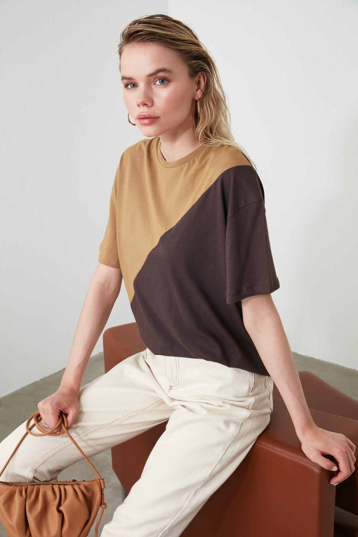 TRENDYOLMİLLA Camel Renk Bloklu Boyfriend Kalıp Örme T-Shirt TWOSS19GS0048 1