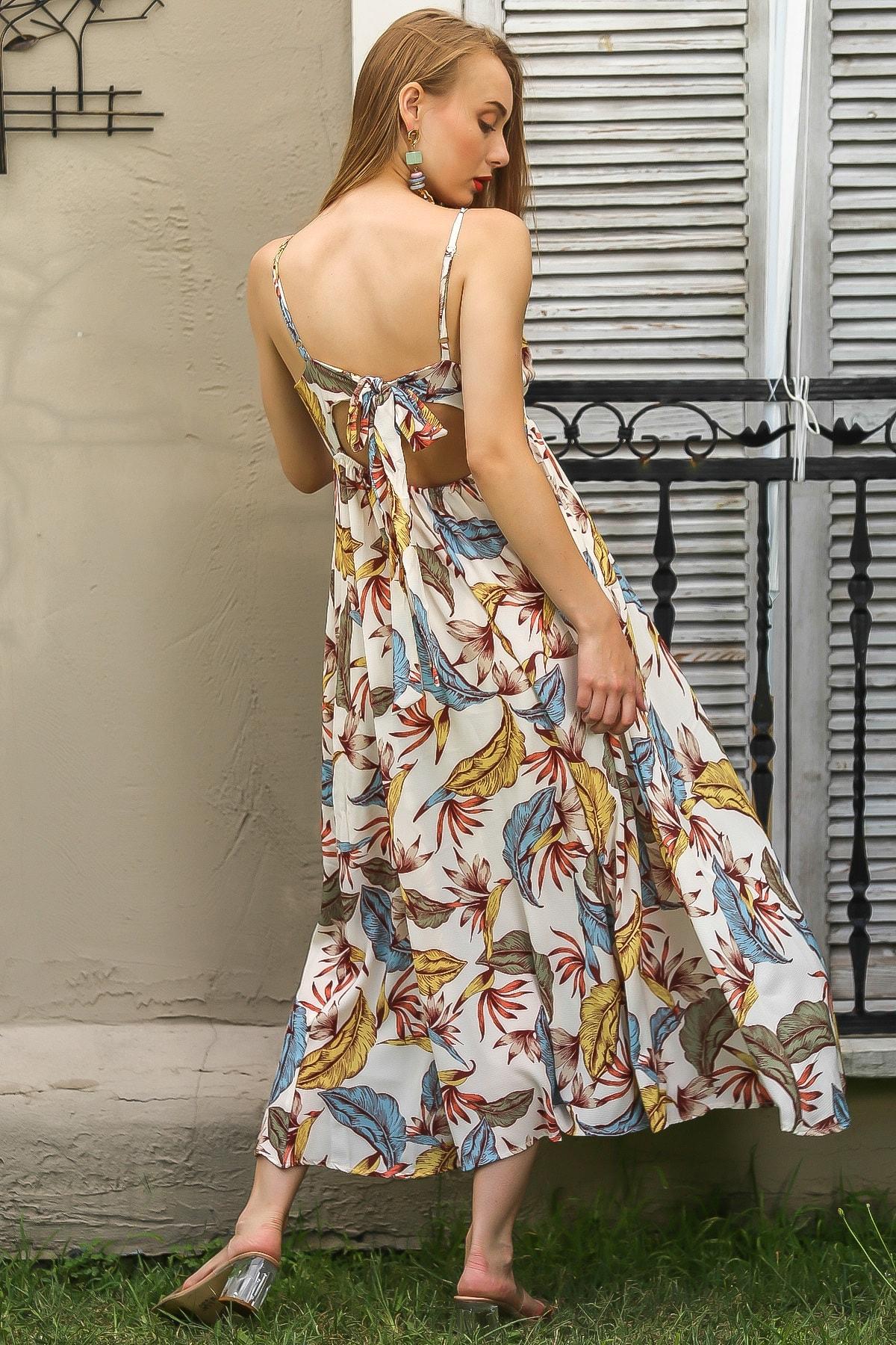 Chiccy Kadın Ekru Vintage Askılı Sırtı Bağlamalı Tropikal Desen Astarlı Yırtmaçlı Elbise M10160000EL96348