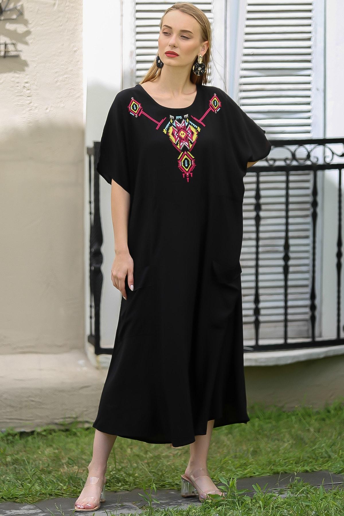 Chiccy Kadın Siyah Bohem Tribal Nakış Detaylı Oversize Cep Detaylı Elbise M10160000EL96390