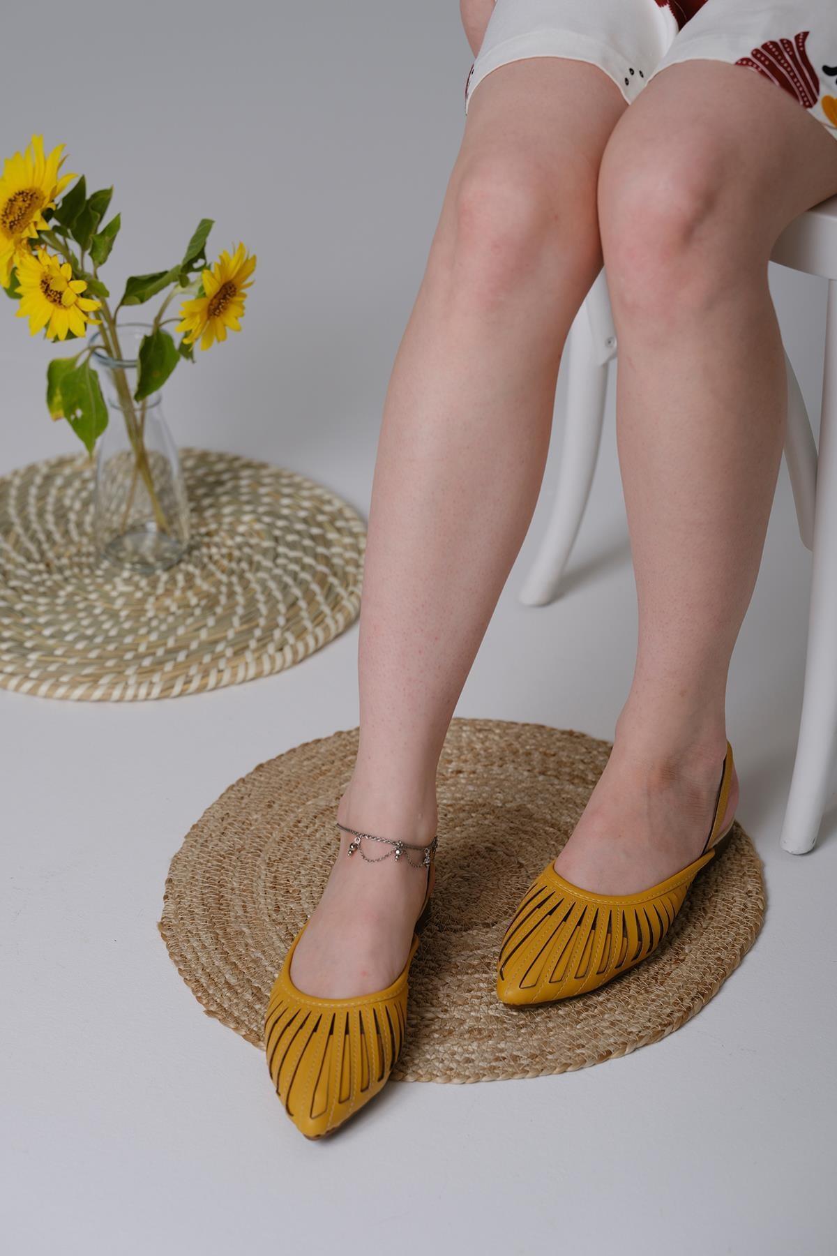 Oksit Toklu San Kadın Sandalet