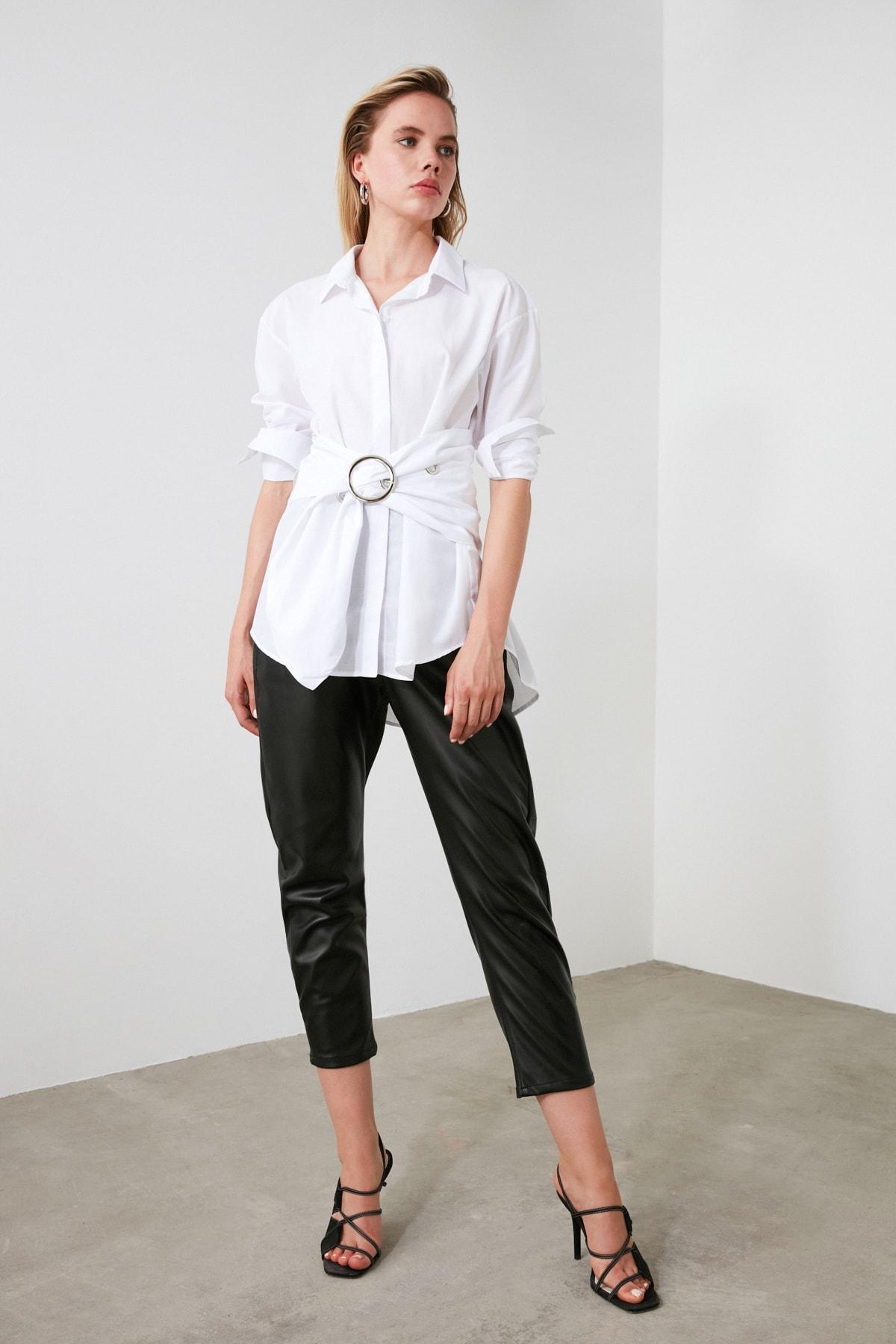TRENDYOLMİLLA Beyaz Toka Detaylı Gömlek TWOAW20GO0099 1