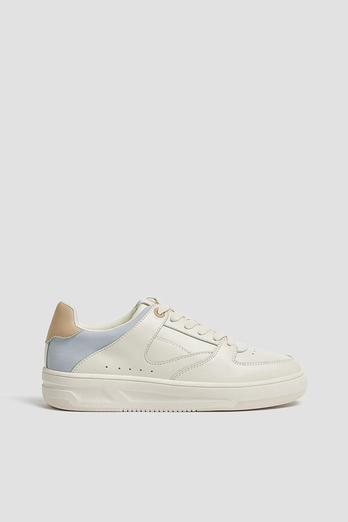 Pull & Bear Kadın Beyaz Parça Detaylı Spor Ayakkabı 11310640 1