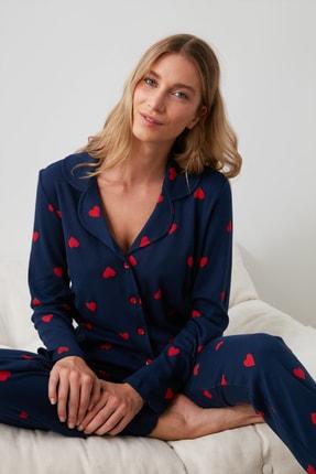 TRENDYOLMİLLA Lacivert Kalp Baskılı Örme Pijama Takımı THMAW21PT0548