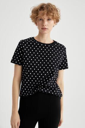 DeFacto Kadın Puantiye Baskılı Relax Fit Kısa Kollu Tişört