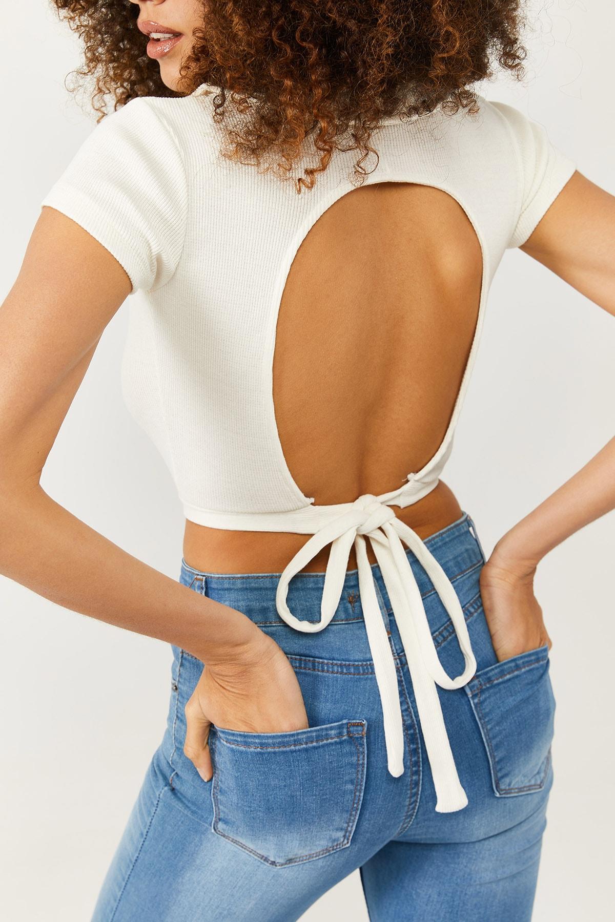 XENA Kadın Beyaz Polo Yaka Sırt Detaylı Bluz 1KZK2-11338-01 1