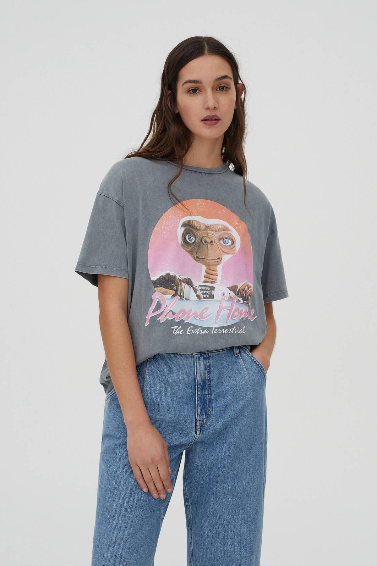 "Pull & Bear Kadın Gri ""E.T. Phone Home"" Sloganlı T-Shirt 09249351"