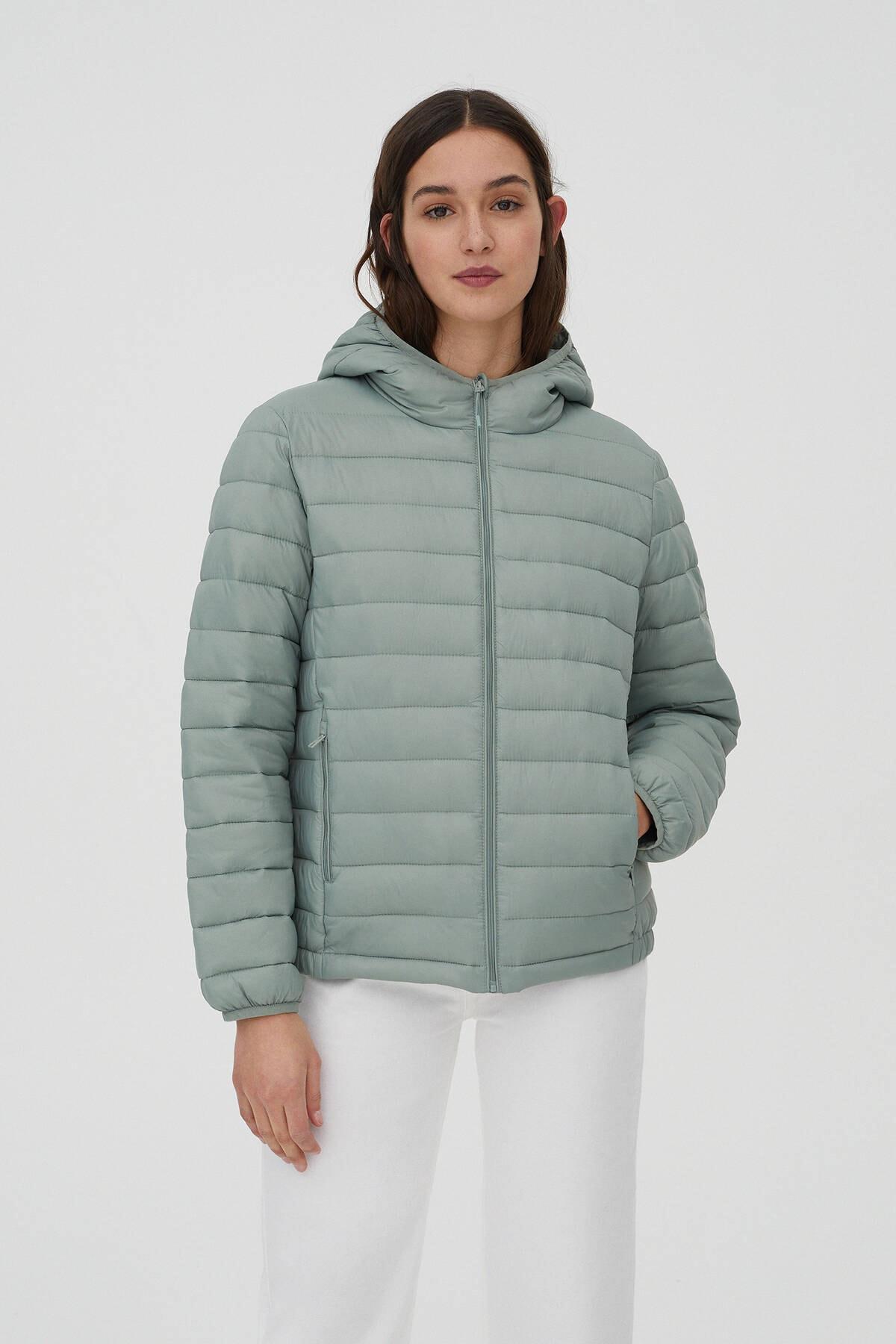 Pull & Bear Kadın Açık Yeşil Basic Şişme Mont 09714333
