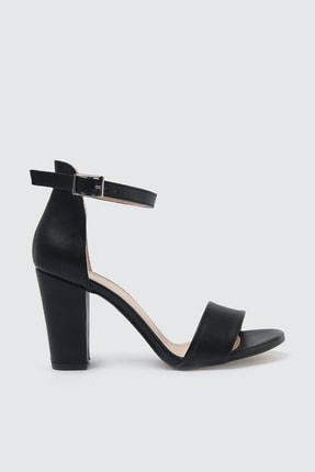 TRENDYOLMİLLA Siyah Tek Bantlı Kadın Klasik Topuklu Ayakkabı TAKSS21TO0019