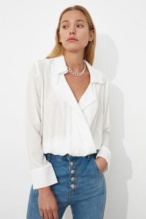 TRENDYOLMİLLA Ekru Kruvaze Yarı Transparan Bluz TWOAW20BZ0600