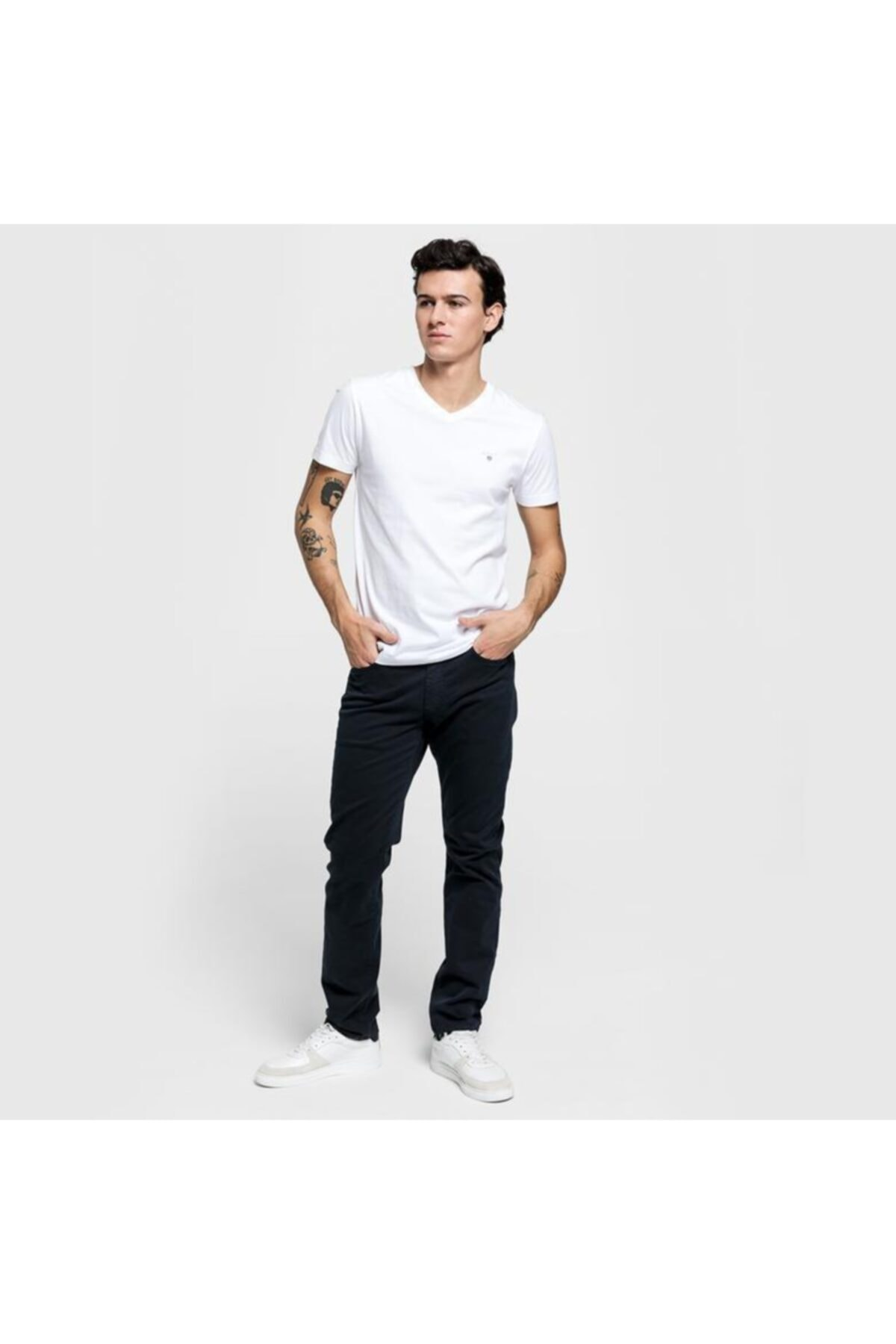 Gant Erkek Beyaz Slim Fit V Yaka T-shirt 234104.110 2