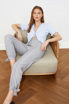 TRENDYOLMİLLA Gri Paça Bağlama Detaylı Pantolon TWOSS21PL0243
