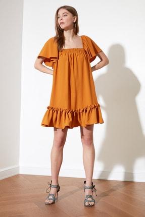 TRENDYOLMİLLA Hardal Kare Yaka Geniş Kesim Elbise TWOSS21EL0999