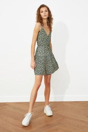 TRENDYOLMİLLA Çok Renkli Desenli Kruvaze Örme Elbise TWOSS21EL1554