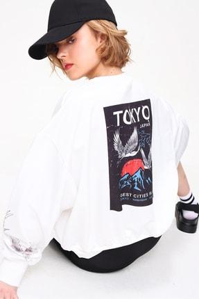 Trend Alaçatı Stili Kadın Beyaz Bisiklet Yaka Dijital Baskılı Ovesize Sweatshirt MDA-1111