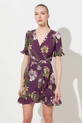TRENDYOLMİLLA Mor Kuşaklı Desenli Elbise TWOSS19WR0045