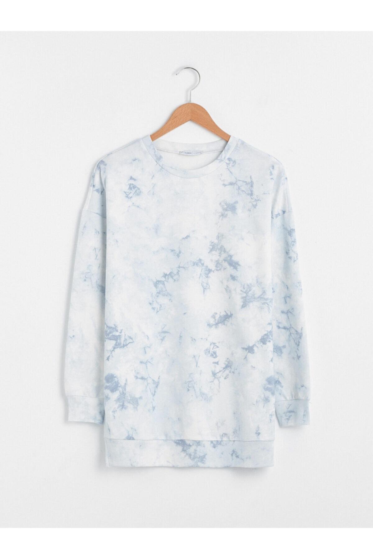 LC Waikiki Kadın Beyaz Mavi Sweatshirt 1