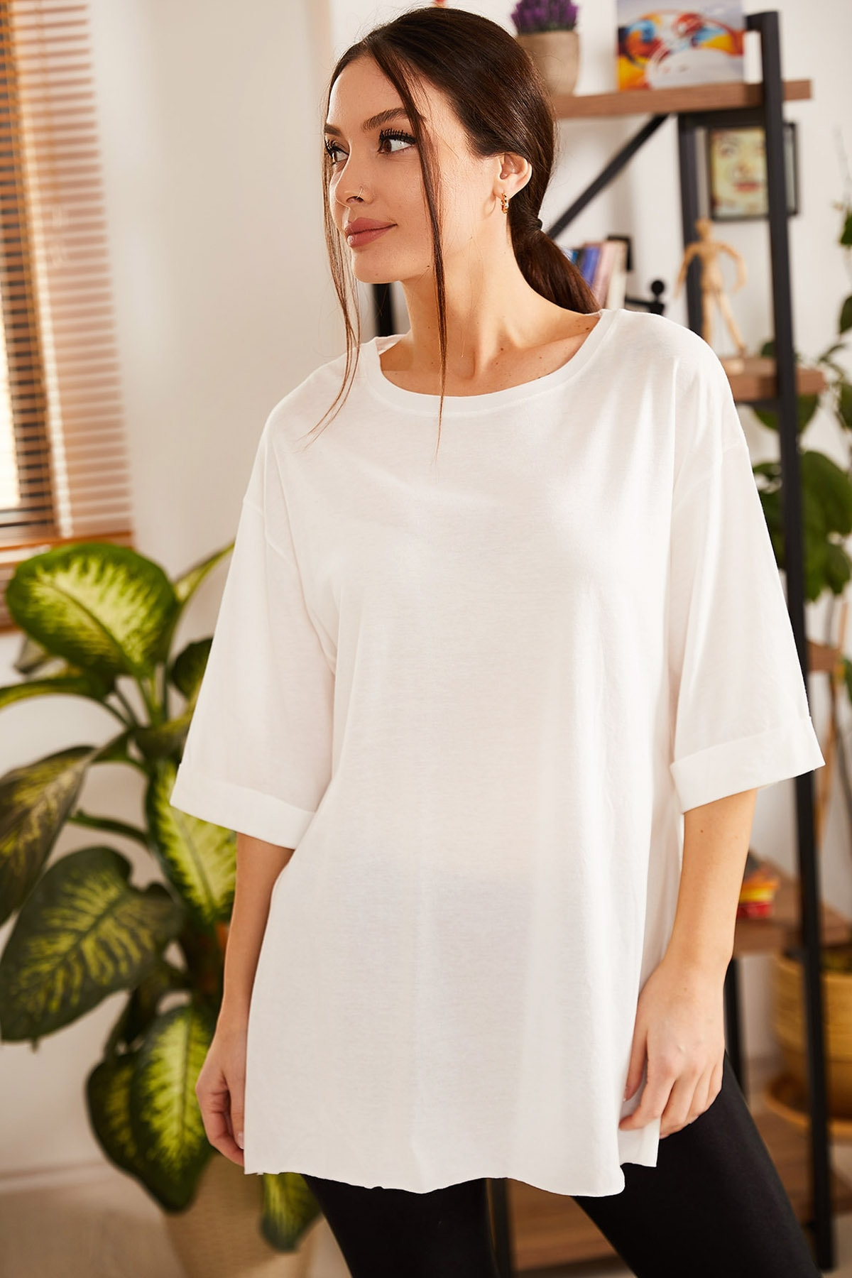 armonika Kadın Ekru Yuvarlak Yaka Geniş Kollu Yanı Yırtmaçlı T-Shirt ARM-19Y012003 2
