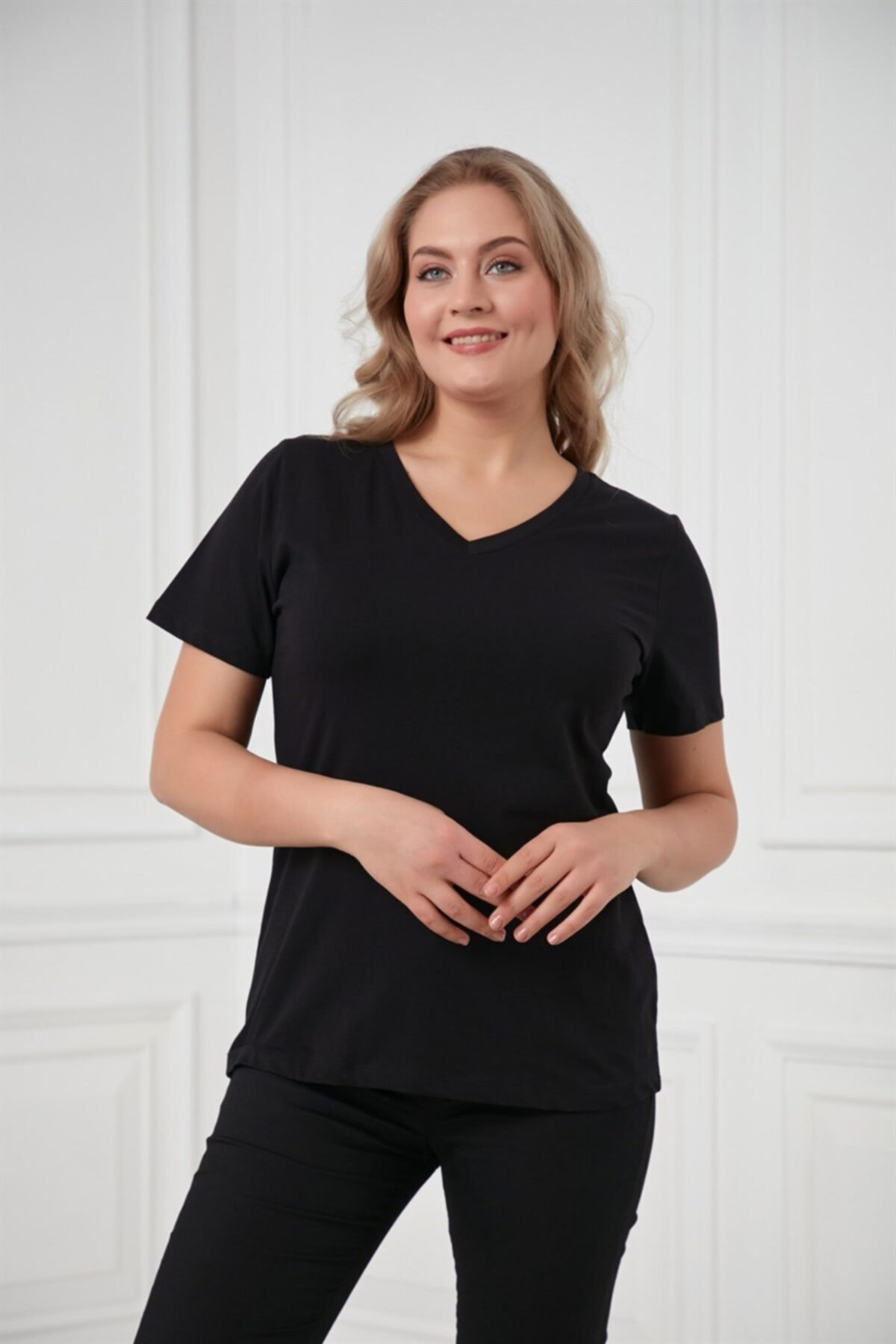 RMG V Yaka Büyük Beden Siyah Tişört 1