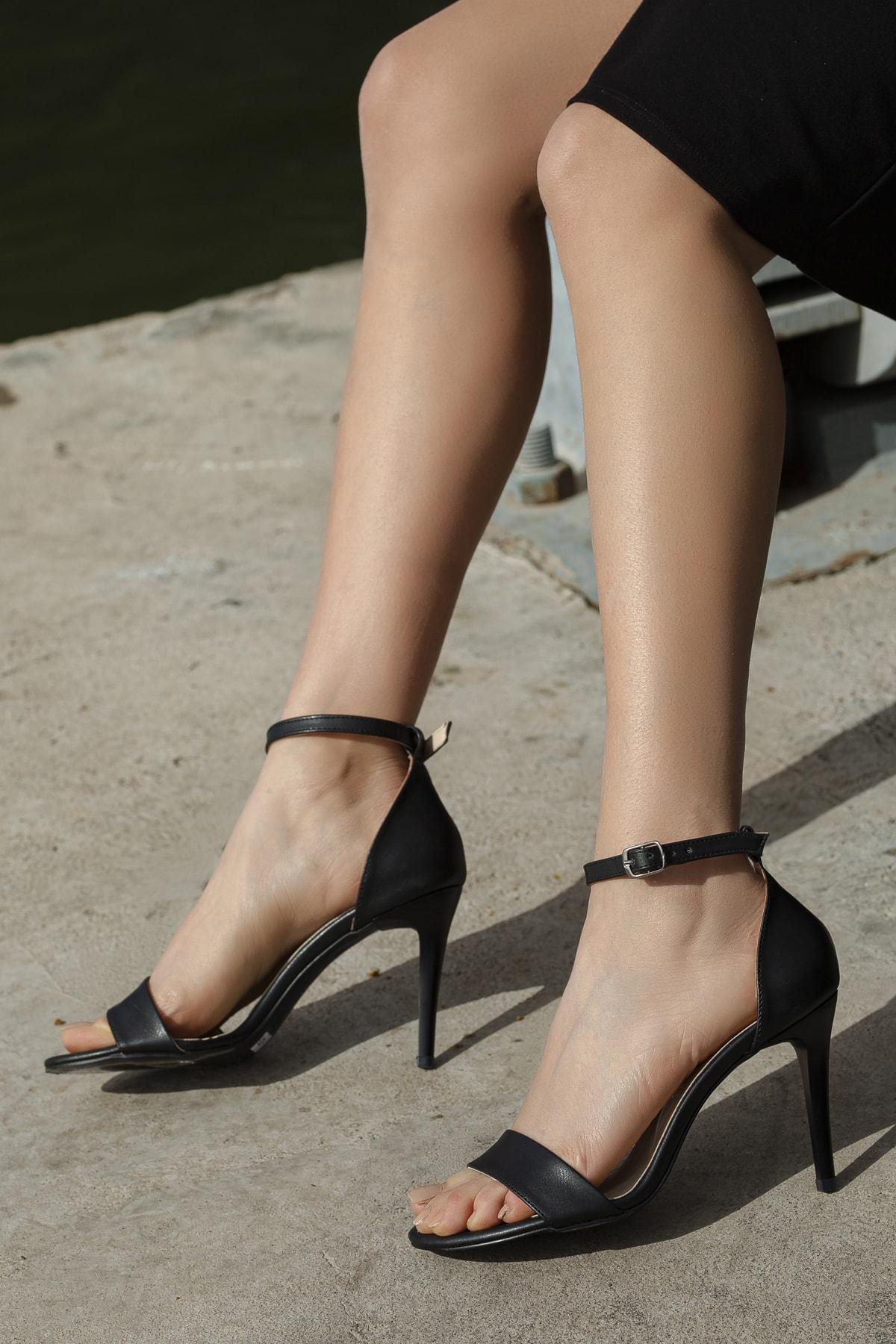 Daxtors Kadın Siyah Günlük Klasik Topuklu Ayakkabı D02525 2