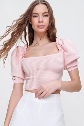 Trend Alaçatı Stili Kadın Pudra Prenses Kol Omuzları Fırfırlı Triko Crop Bluz ALC-X6165