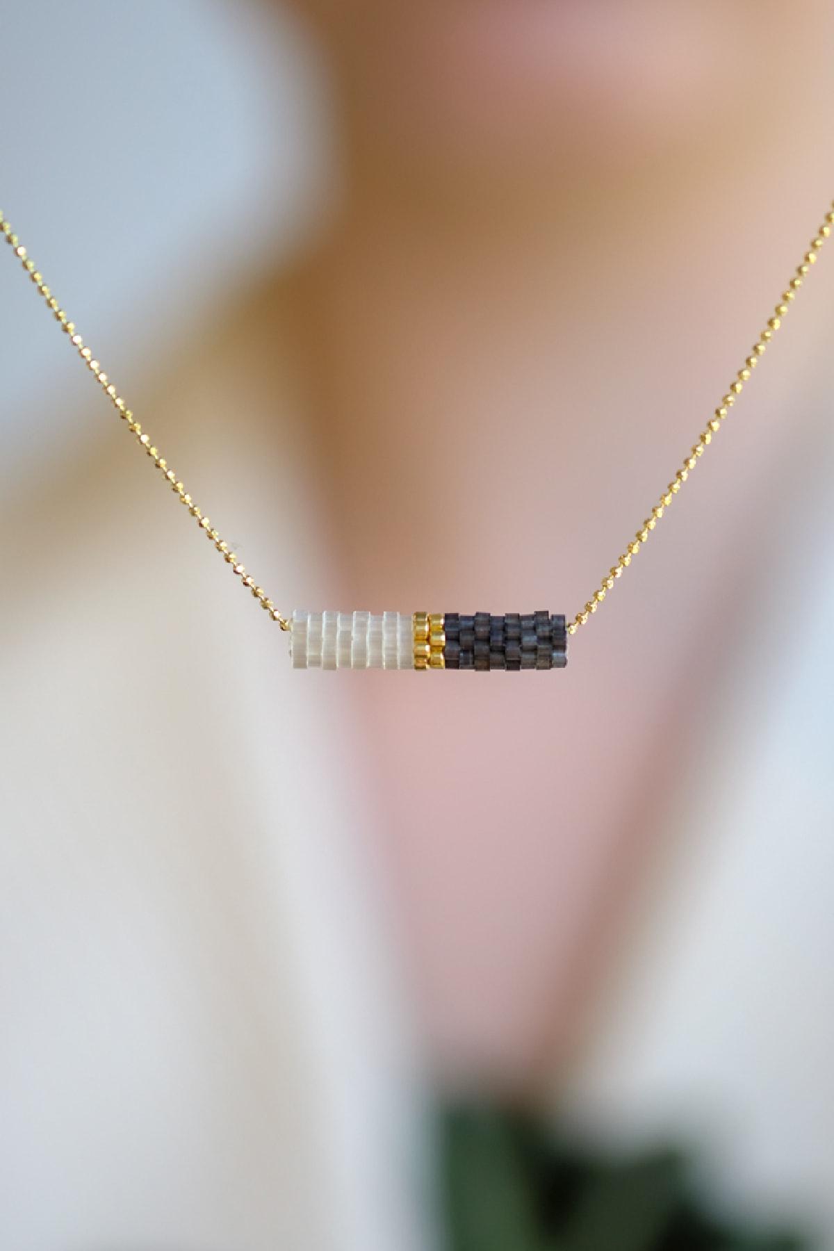 Gui Jewellery Kolye Siyah-beyaz Gümüş Üzeri Altın Kaplama 1