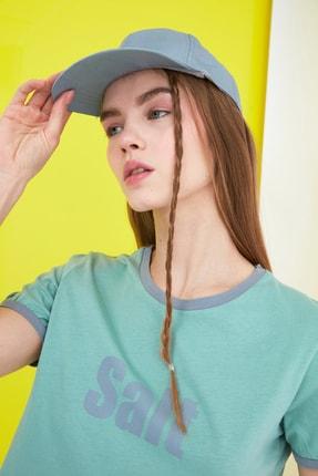 TRENDYOLMİLLA Gri Arkası Ayarlanabilir Kep Şapka TWOSS21SP0002