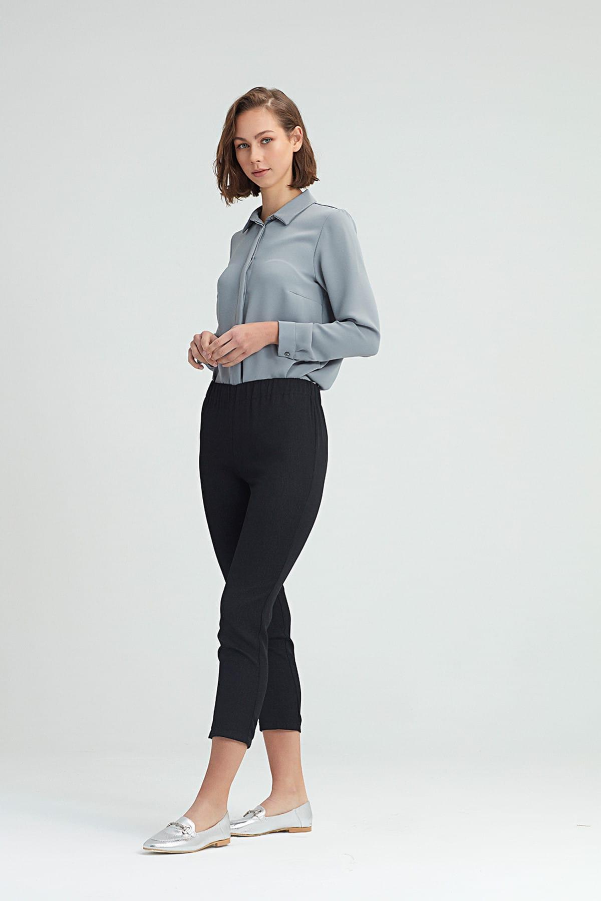 Mizalle Kadın Siyah Dar Kesim Pantolon 18KGMZL2011010 1