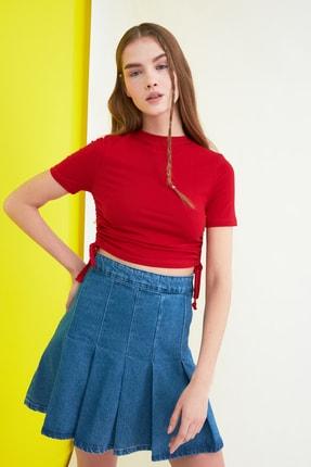 TRENDYOLMİLLA Kırmızı Büzgülü Örme Bluz TWOSS21BZ0180
