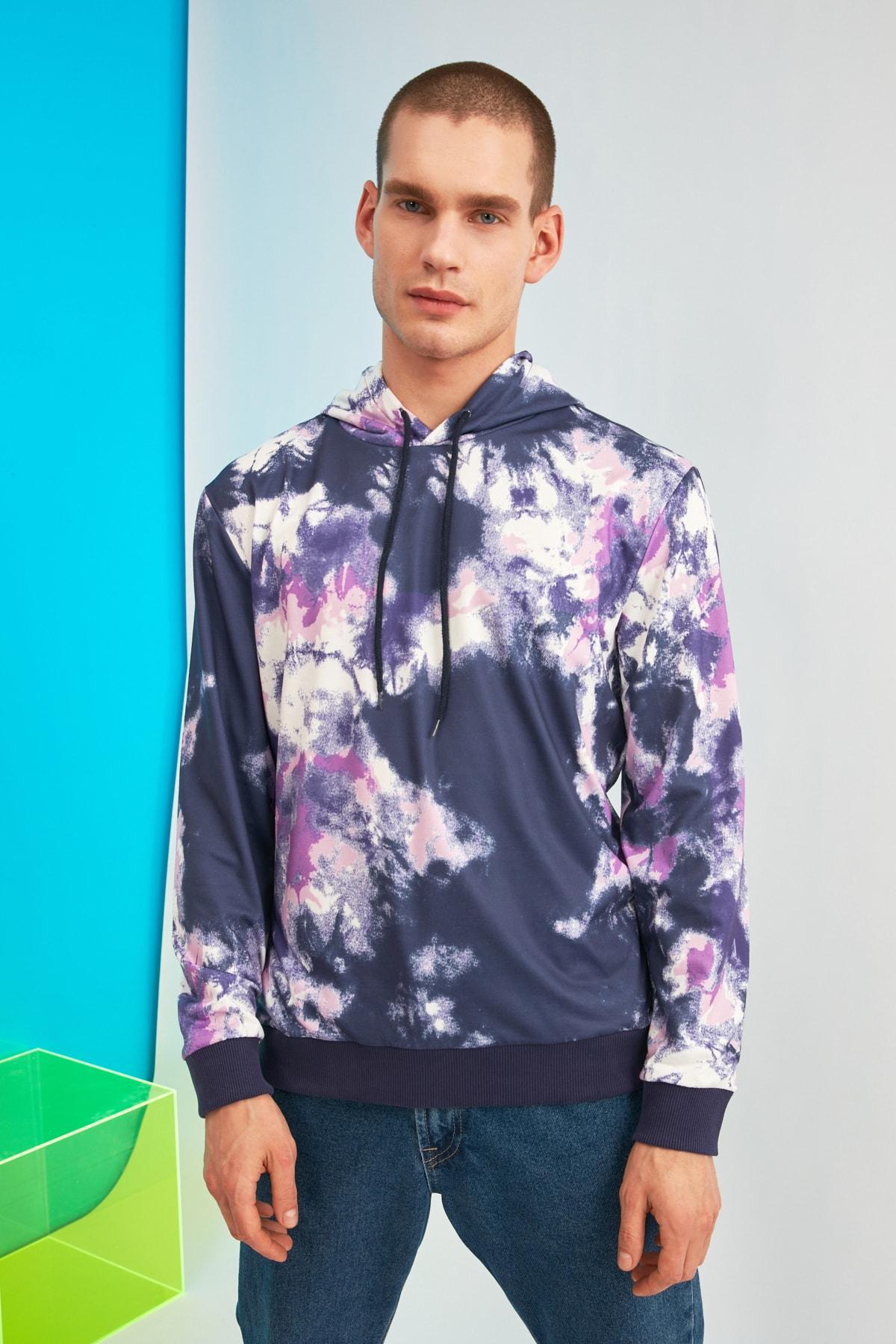 TRENDYOL MAN Çok Renkli Erkek Regular Fit Batik Kapüşonlu Sweatshirt TMNSS21SW0051 1