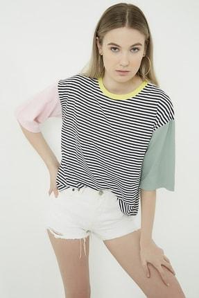 Vis a Vis Kadın Siyah-Beyaz Çizgili  Blok Renkli T-Shirt STN332KTS147