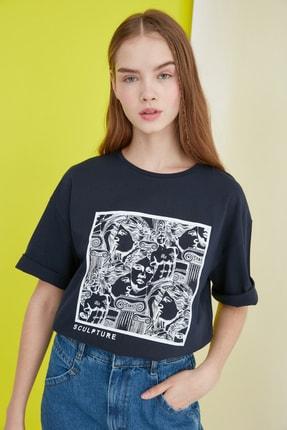 TRENDYOLMİLLA Lacivert Baskılı Loose Kalıp Örme T-Shirt TWOSS20TS0110