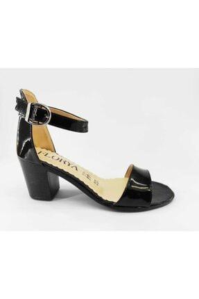 BEHA AYAKKABI Kadın Siyah Rugan Topuklu Sandalet