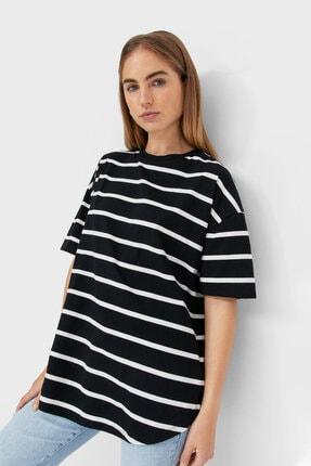Stradivarius Kadın Siyah Çizgili Uzun Basic T-shirt
