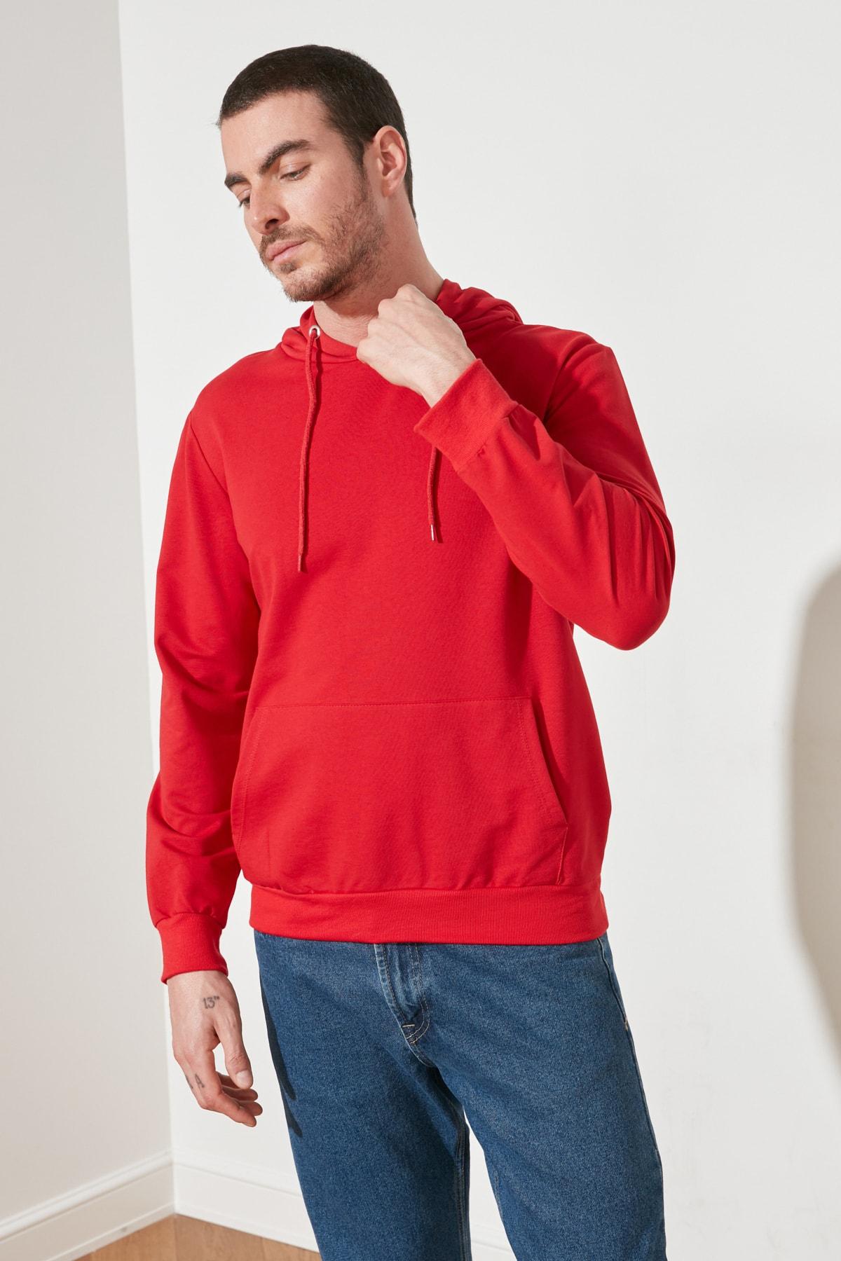 TRENDYOL MAN Kırmızı Erkek Regular Fit Kapüşonlu Kanguru Cepli Uzun Kollu Basic Sweatshirt TMNAW20SW0162 2
