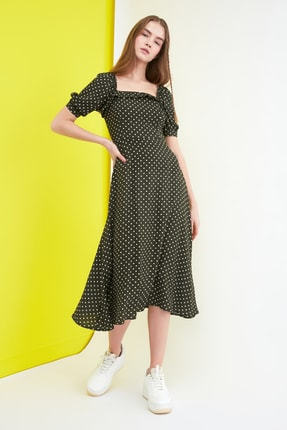 TRENDYOLMİLLA Haki Puantiyeli Elbise TWOSS21EL0511